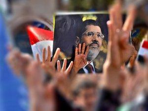 Mısır'da Siviller Askerî Mahkemeye Sevk Ediliyor