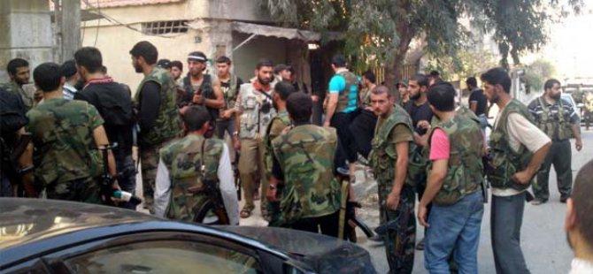 Güney Suriye'de Direnişçiler 'Tek Bayrak' Altında Birleşti