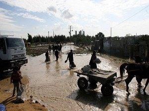 """Gazze'yi Bu Kez """"Kış"""" Vurdu"""