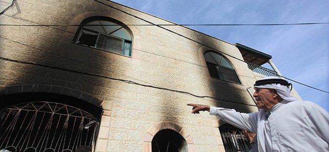 Yahudi Yerleşimciler Cami Kundakladı
