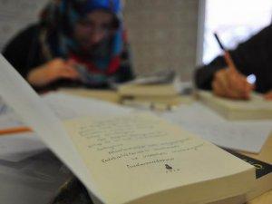 Gençlerden Müslüman Tutsaklara Kardeşlik Postası