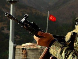 Cinnet Geçiren Asker 3 Arkadaşını Öldürdü