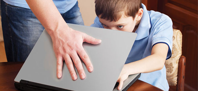 Çocukların %51'i Artık Zamanını İnternette Geçiriyor