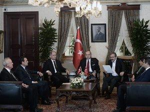Yalçın Akdoğan İle HDP Heyeti Görüştü