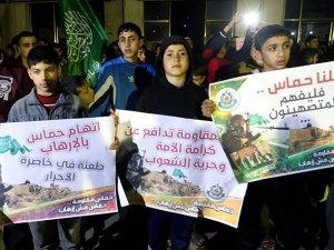 Gazze'de Mısır Cuntasının Hamas Kararı Protesto Edildi