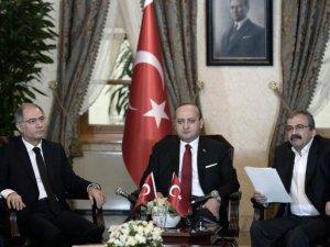 HDP Öcalan'dan 'Görüntülü Mesaj' İstiyor