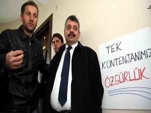 """CHP'de """"İşgal"""" Eylemi Sürüyor"""