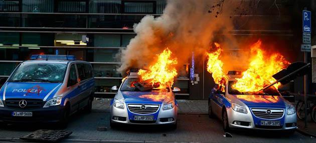 Almanya'da Kapitalizme İsyan (FOTO)