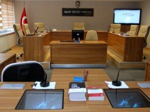 """İstanbul Barosu'na """"Başörtüsü"""" Davası Başladı"""