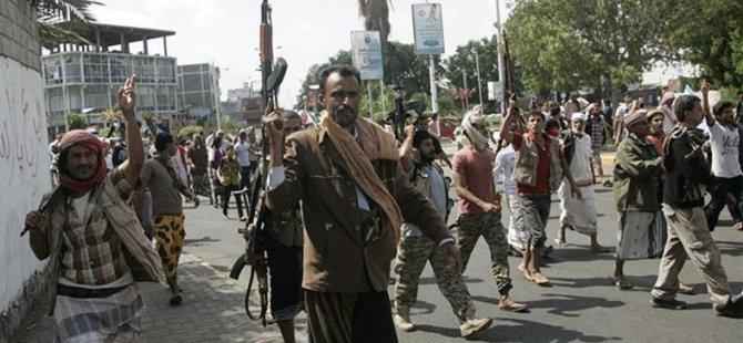 Aden'de Çatışma Uçuşları Durdurdu