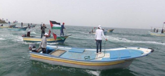 Darbeci Mısır Yönetimi Gazzeli Balıkçılara Ateş Açtı
