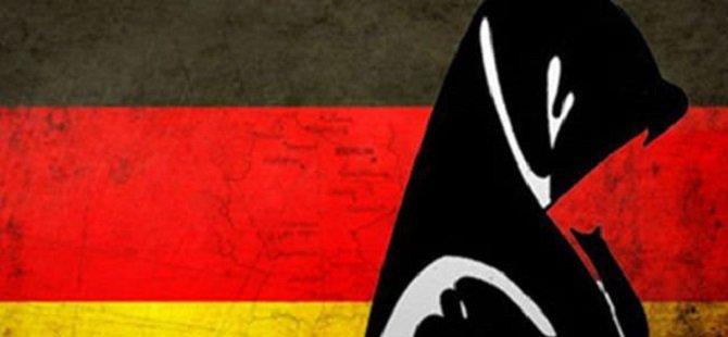 Alman Gençlerin Yüzde 70'i Başörtü Yasağına Karşı