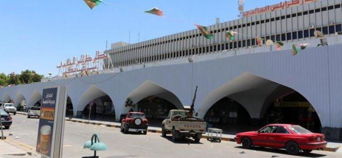 Darbeci Güçler Trablus Havalimanını Bombalandı