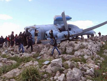 İdlib'e Varil Yağdıran Helikopter Düştü! (VİDEO)