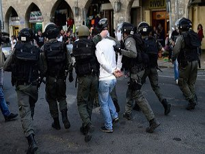 Batı Şeria'da 7 Filistinliye Gözaltı