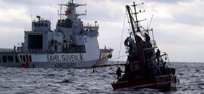 Ege'de Göçmenleri Taşıyan Bir Tekne Daha Battı: 5 Kişi Hayatını Kaybetti!
