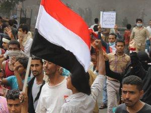 Yemen'de Taiz Valisi İstifa Etti