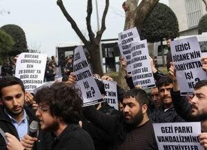 Cündioğlu'nu Protesto; ODTÜ'lü Vandallara Ders