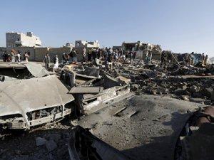 Sana'da Husi Mevzileri Bombalandı