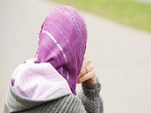 Hamile Başörtülü Kadına Irkçı Saldırı