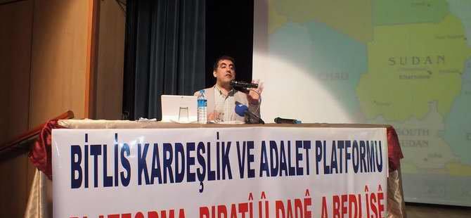 """Tatvan'da """"Ortadoğu ve İslam Dünyası"""" Konferansı"""