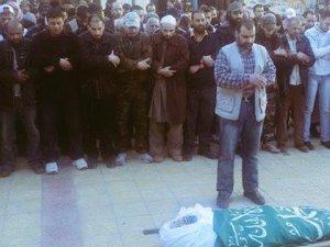 Hamas Liderlerinden Hurani Suriye'de Şehit Oldu