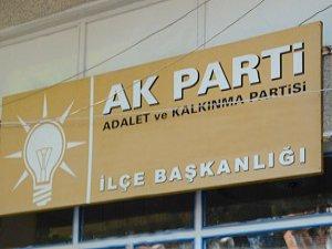 AK Parti Kartal İlçe Binasına Baskın