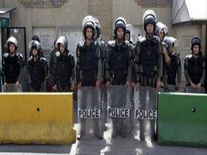 İran'da Polis Karakoluna Silahlı Saldırı