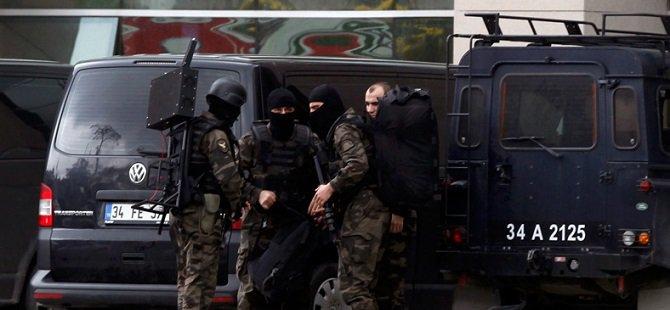 Saldırganlar Adliyeye 10 Dakika Arayla Girdiler