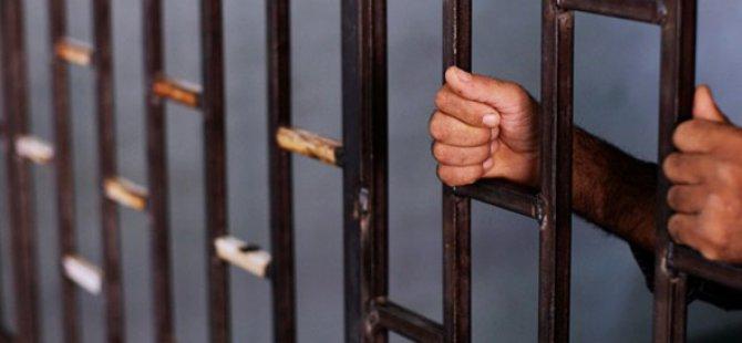 Yemen'de 300 Kişi Hapishaneden Kaçtı