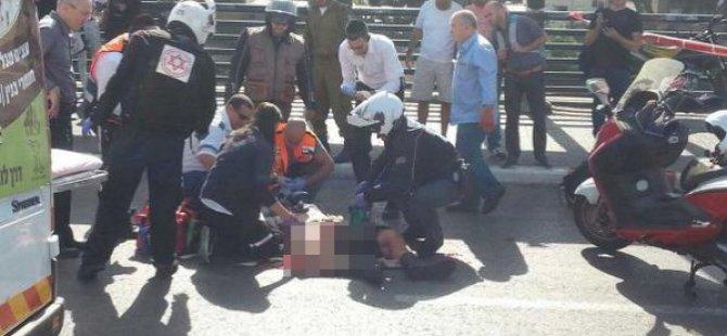 Filistinli Genç İsrail Askerini Başından Bıçakladı