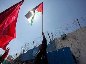 Gazze'de Yermuk'a Destek Gösterisi Düzenlendi