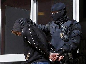 İspanya'da 11 Kişi Gözaltına Aındı