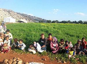 Esed'in Bombaları Yüzünden İdlib'den Kaçış Sürüyor