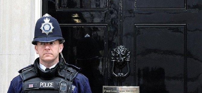 İngiliz Polisi ve İstihbaratına Suçlama