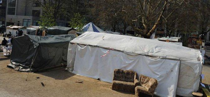 Almanya'da Mültecilerin Kaldığı Yurda Saldırı