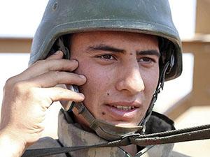 Askere Müjde: Cep Telefonu Serbest Olacak!