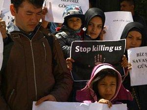 Afgan Sığınmacılar BM'yi Protesto Etti