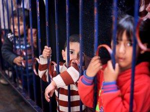 'Yahudi Yerleşimciler Filistinli Çocukları Sömürüyor'
