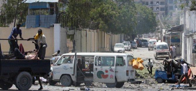 Mogadişu'da Bakanlık Binasına Saldırı