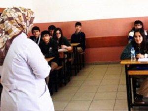 MEB'den Başörtülü Öğretmen Açıklaması