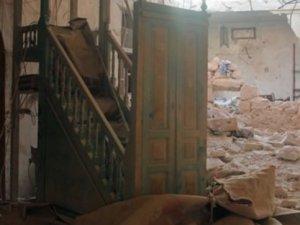 Esed'in Bombalı Saldırılarından Dolayı Cumaya Gidemiyorlar