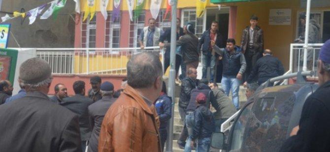 HDP'liler Şeyh Sait'in Torununa Saldırdı