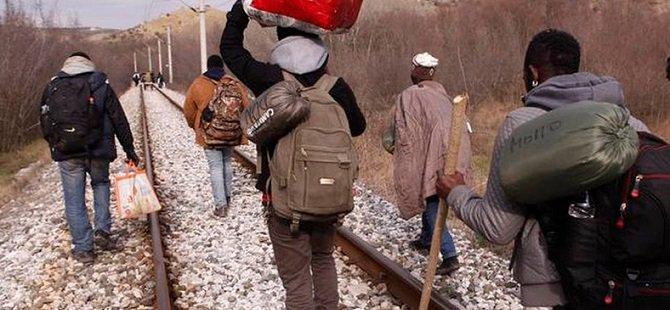 Göçmenlere Tren Çarptı: 14 Ölü