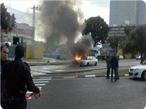 Tel Aviv'deki Patlamada Biri Ağır Üç Siyonist Yaralandı