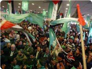 Abbas, Batı Yaka'da Üniversite Seçimlerini Durdurdu