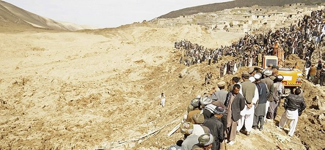 Afganistan'da Toprak Kayması: 52 Ölü