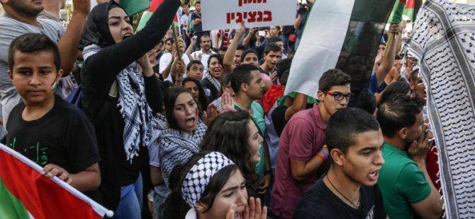 Filistinliler Tel Aviv'de Yıkımları Protesto Etti