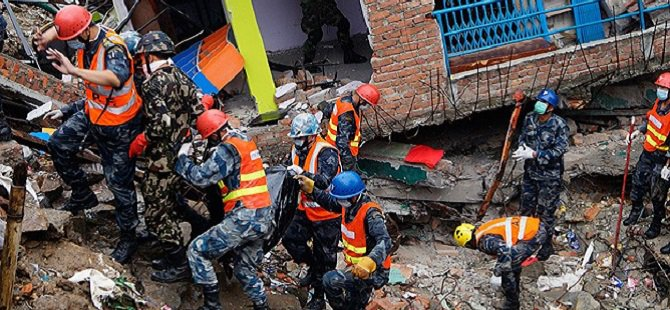 Nepal'de Ölü Sayısı 5 Bine Yaklaştı
