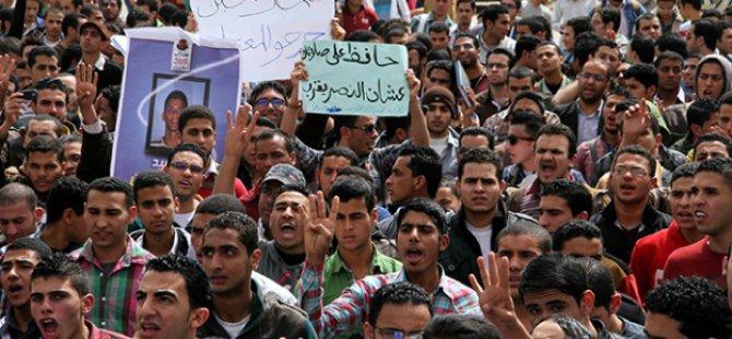 Mısır Cuntasından 63 Öğrenciye Hapis Cezası